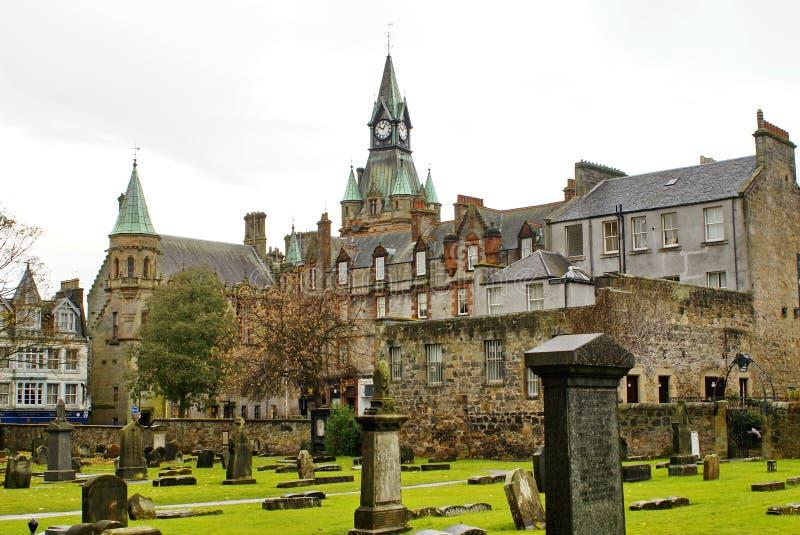 Cathédrale de Dunkeld dans les montagnes écossaises photo libre de droits
