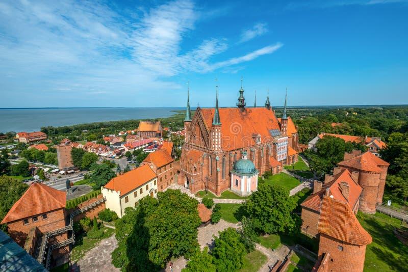 Cathédrale de Frombork, un endroit où il a travaillé Copernic photographie stock libre de droits