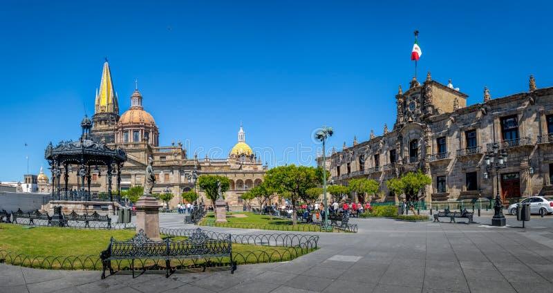 Cathédrale de Guadalajara et palais de gouvernement national - Guadalajara, Jalisco, Mexique image libre de droits