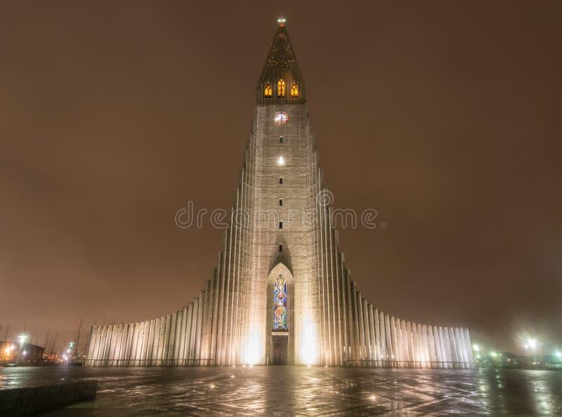 Cathédrale de Hallgrimskirkja à Reykjavik, Islande image libre de droits