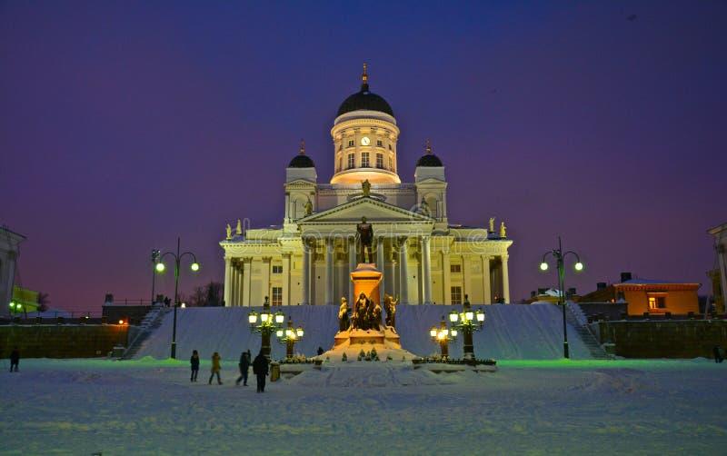 Cathédrale de Helsinki par nuit en Finlande images libres de droits