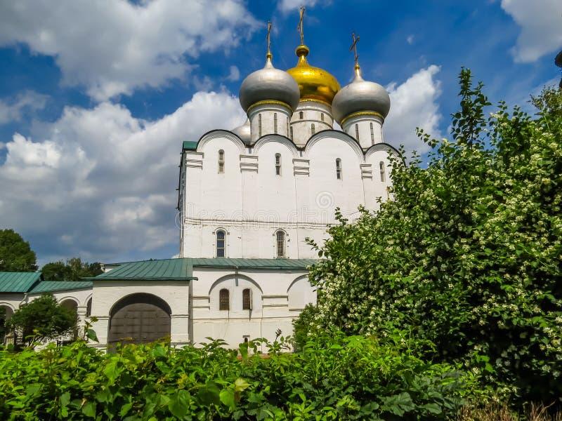 Cathédrale de notre Madame de Smolensk, couvent de Novodevichy, Moscou, Russie image libre de droits