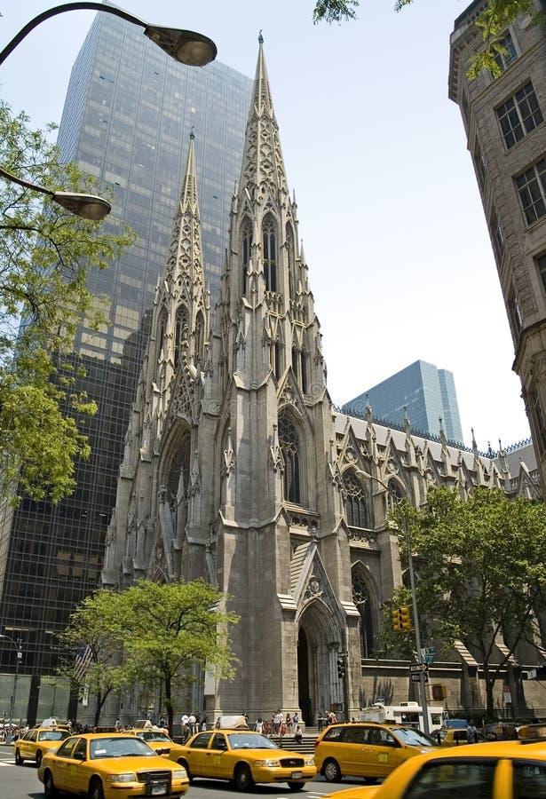 Cathédrale de rue Patrick photos libres de droits