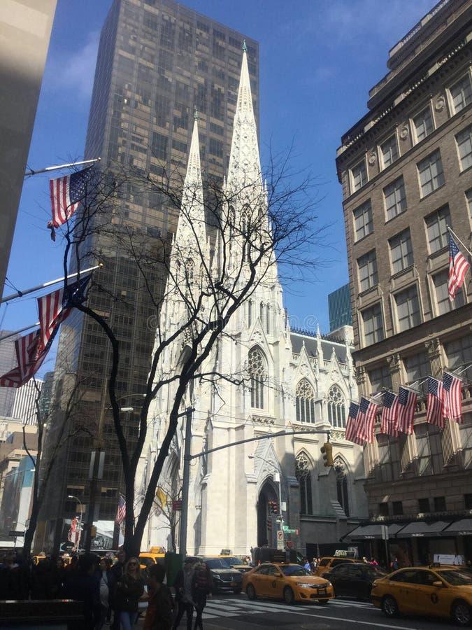 Download Cathédrale de rue Patrick photo éditorial. Image du catholique - 77160976