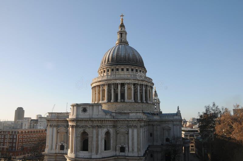 Cathédrale de rue Pauls à Londres images stock