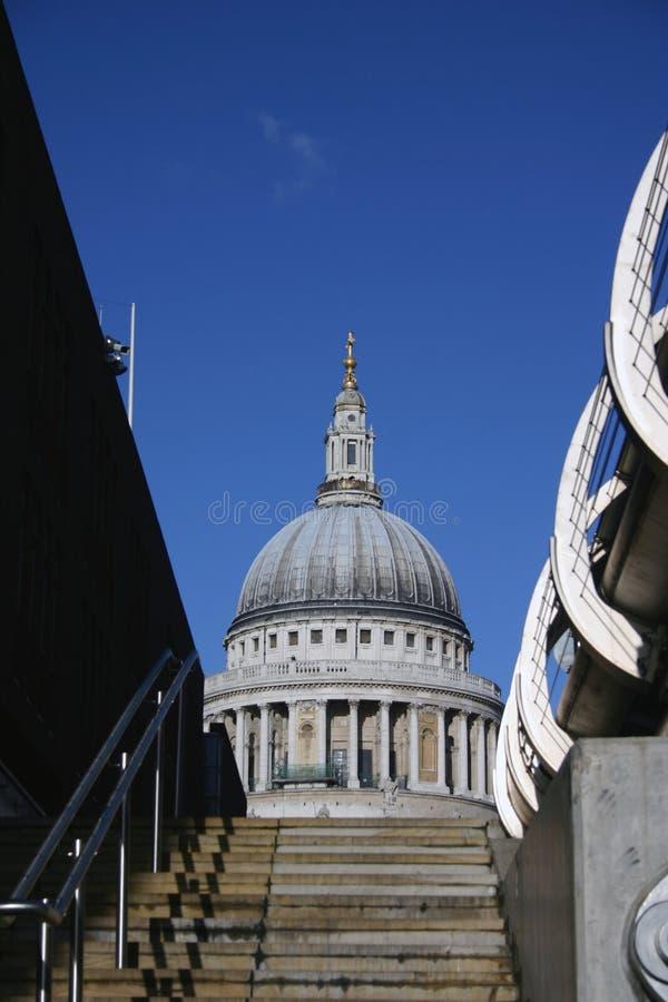 Download Cathédrale de rue Pauls image stock. Image du cathédrale - 55627