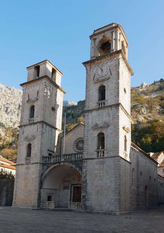 Cathédrale de rue Tryphon Ville de Kotor, Monténégro images stock