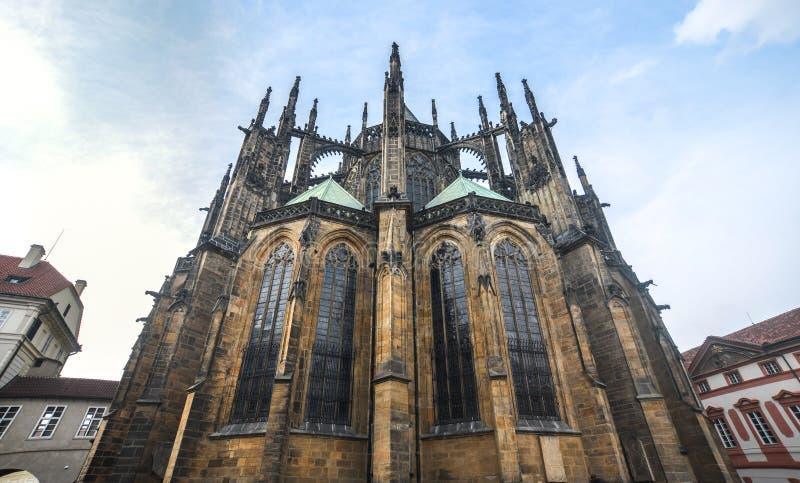 Cathédrale de rue Vitus dans le château de Prague images stock