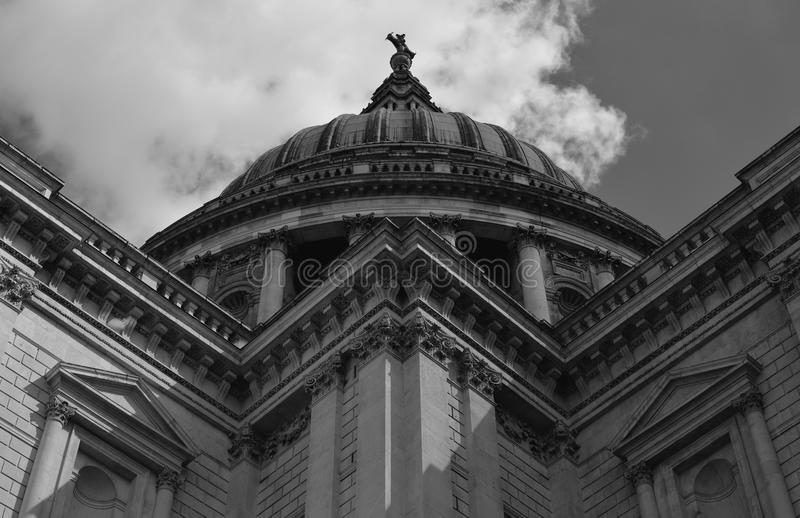 Cathédrale de Saint Paul à Londres image libre de droits