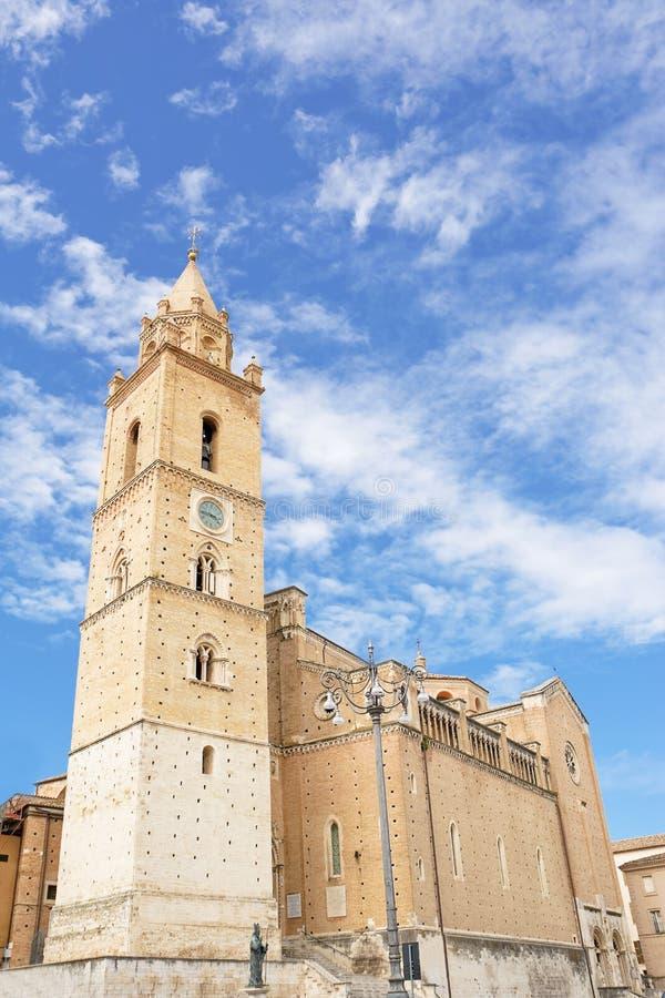 Cathédrale de San Giustino à Chieti (Italie) photographie stock libre de droits