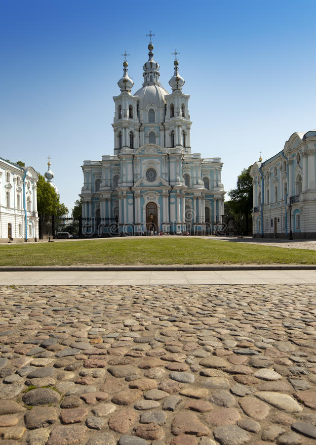 Cathédrale de Smolnyi (couvent de Smolny), St Petersburg photos stock