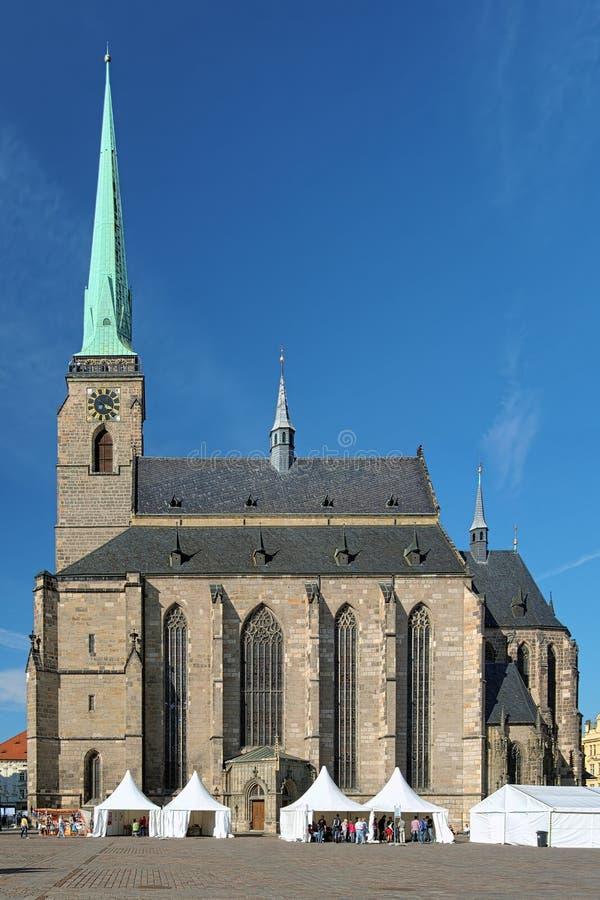 Cathédrale de St Bartholomew dans Plzen photo libre de droits