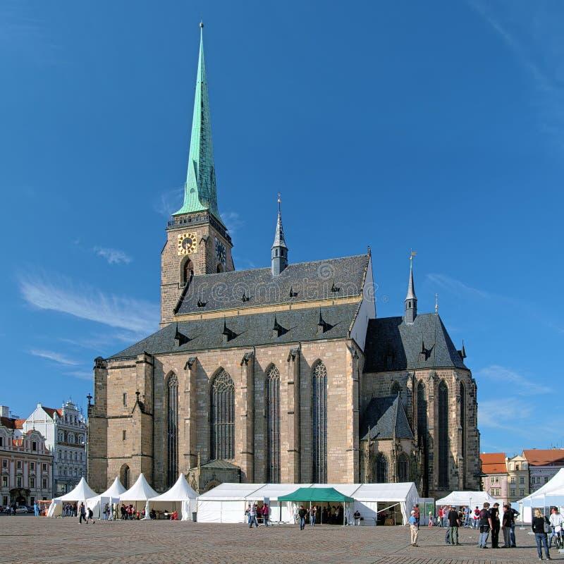 Cathédrale de St Bartholomew dans Plzen image stock
