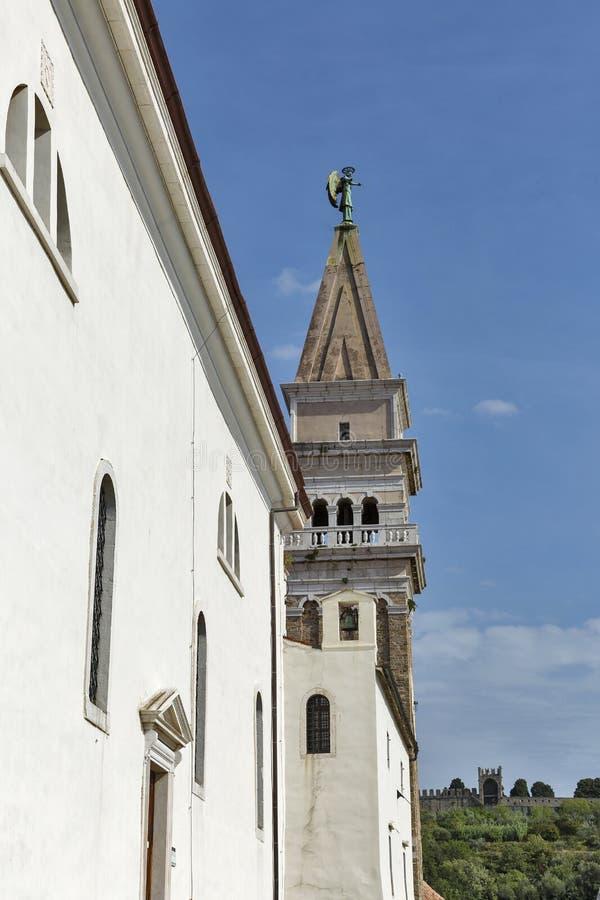 Cathédrale de St George dans Piran, Slovénie photos stock