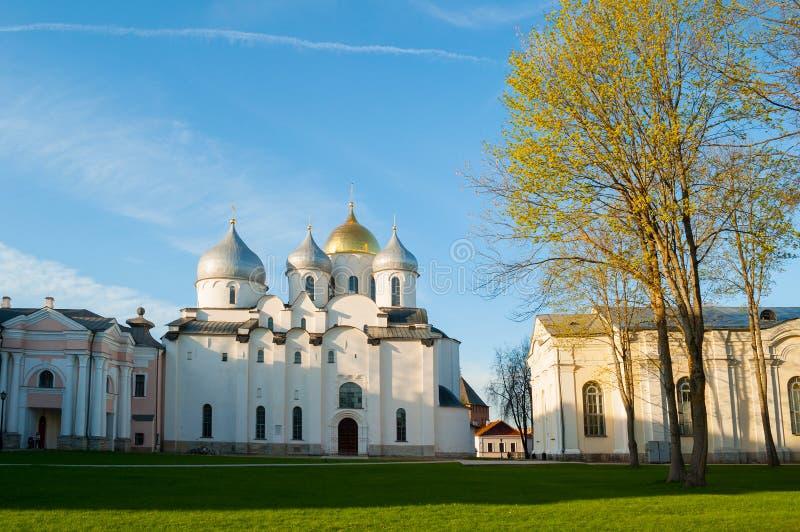 Cathédrale de St Sophia dans Veliky Novgorod, Russie - vue de soirée photos stock
