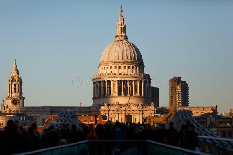 Cathédrale du `s de rue Paul, Londres photographie stock