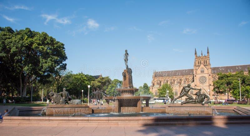 Cathédrale et Archibald Memorial Fountain du ` s de St Mary image stock