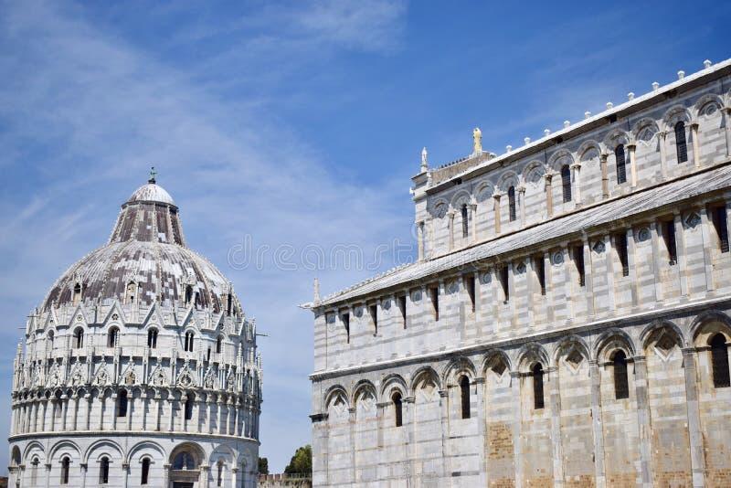 Cathédrale et baptistère de Pise photos libres de droits