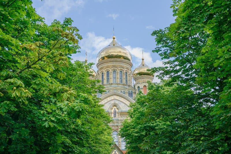 Cathédrale extérieure chez Liepaja, Lettonie image libre de droits