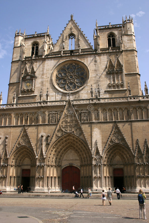 Download Cathédrale française image stock. Image du ciel, traditionnel - 64931