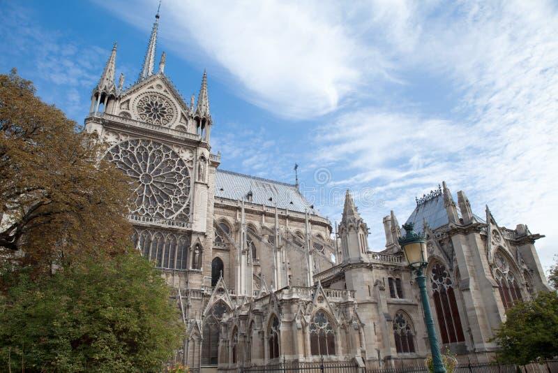 Cathédrale gothique Notre Dame de borne limite à Paris image libre de droits