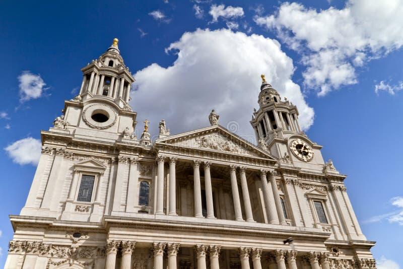 Cathédrale Londres de rue Paul image libre de droits