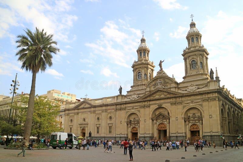 Cathédrale métropolitaine de Santiago Faces Plaza de Armas, la place principale de la capitale de Santiago du Chili, le 11 avril  image stock