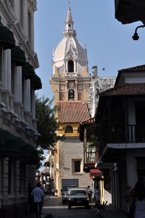 cathédrale renversante au vieux centre historique de Carthagène, Colombie photographie stock libre de droits