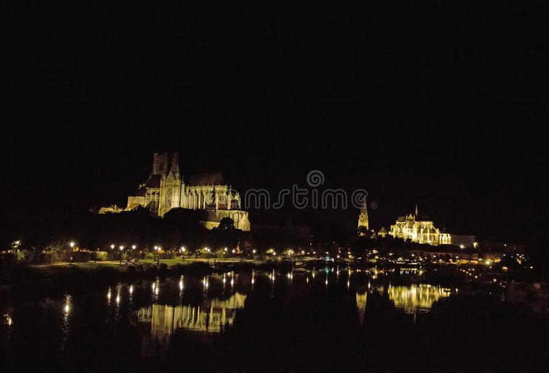Cathédrale St Etienne et l'archevêché Auxerre Bourgogne images stock