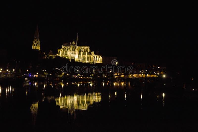 Cathédrale St Etienne la nuit Auxerre la Bourgogne photos stock