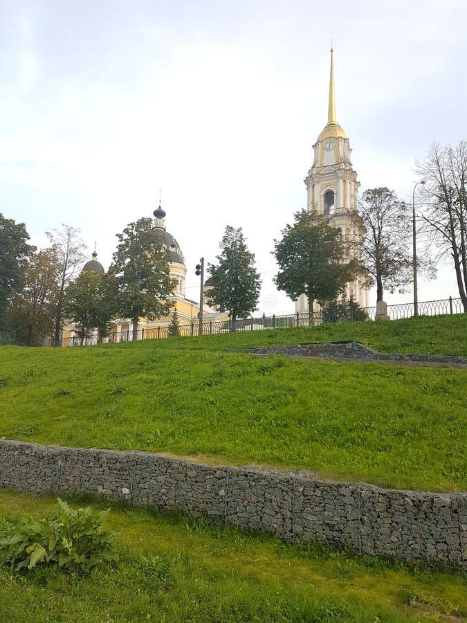 Cath?drale de transfiguration un matin ensoleill? de juillet Rybinsk, Russie photographie stock