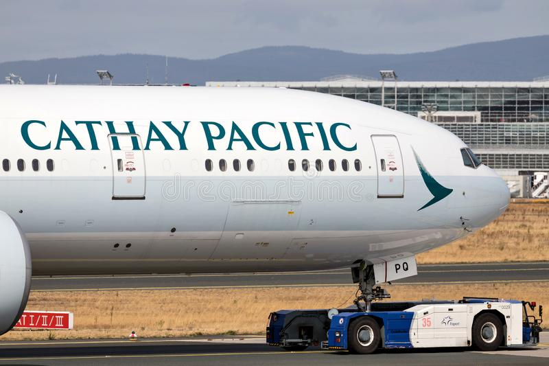 Cathay Pacific Боинг 777-300 стоковые фотографии rf