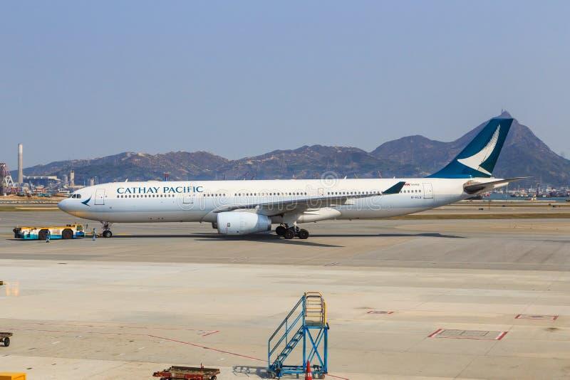 Cathay Pacific Airbus A330 pushback Hong Kong royalty free stock photos