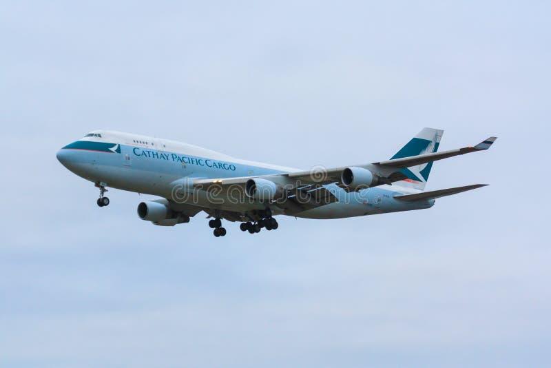 Cathay Pacific last 747 royaltyfri fotografi