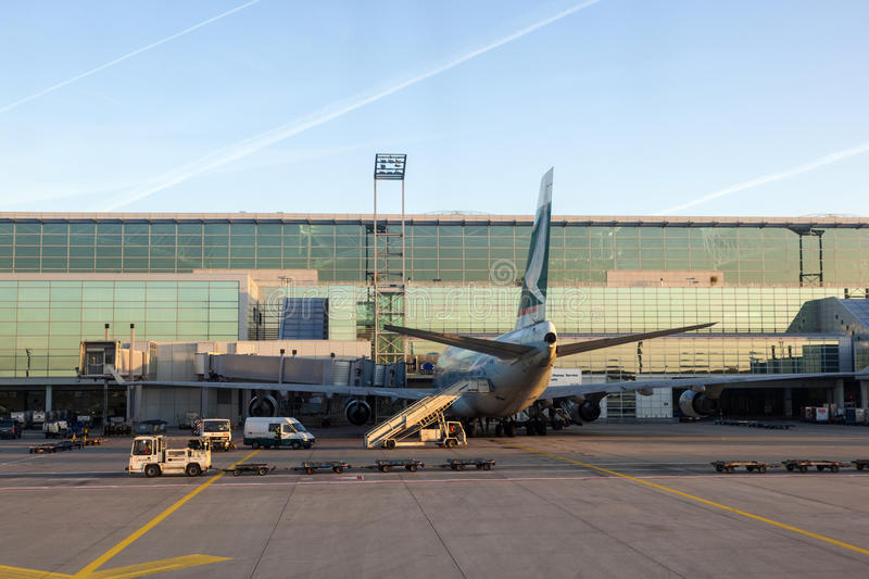 Cathay samolotu pozycja przy obraz stock