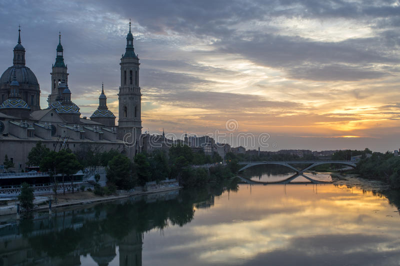 Download Cathedral-Basilica Of Our Lady Of The Pillar And The River Ebro Stock Image - Image: 83710311