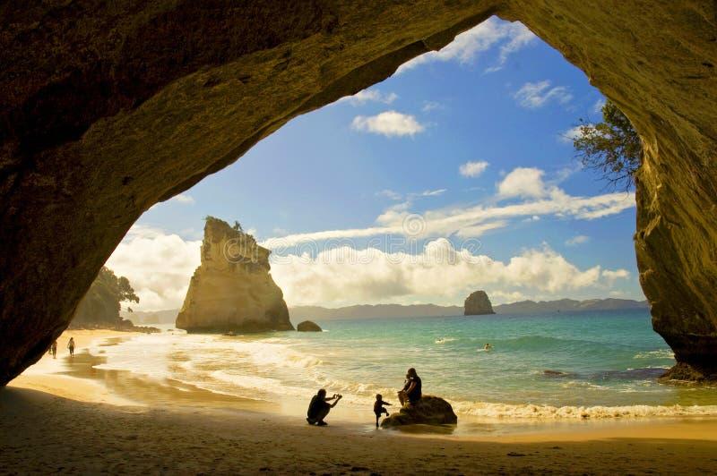 Cathedral-cove op het Coromandel-schiereiland, Noord-eiland, Nieuw-Zeeland royalty-vrije stock foto