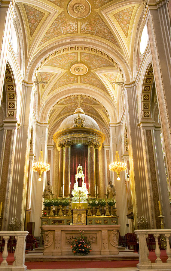 Free Cathedral Interior Altar Cross Morelia Mexico Stock Images - 4469104
