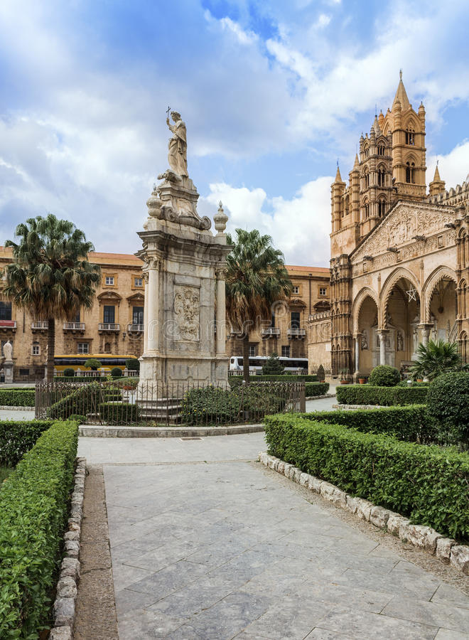 Download Cathedral Of Palermo Stock Photography - Image: 28756222