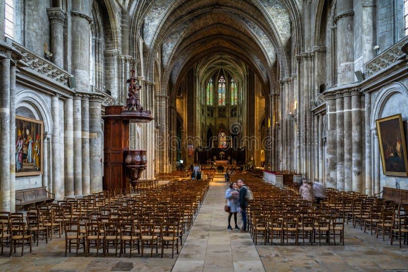 Cathedrale helgonAndre inre i Bordeaux, Frankrike fotografering för bildbyråer