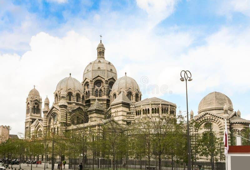 Cathedrale La ha som huvudämne i Marseille arkivfoto