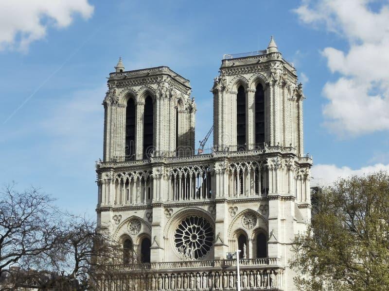 Cathedrale-Notre-Dame de Paris nach Feuer lizenzfreie stockfotografie