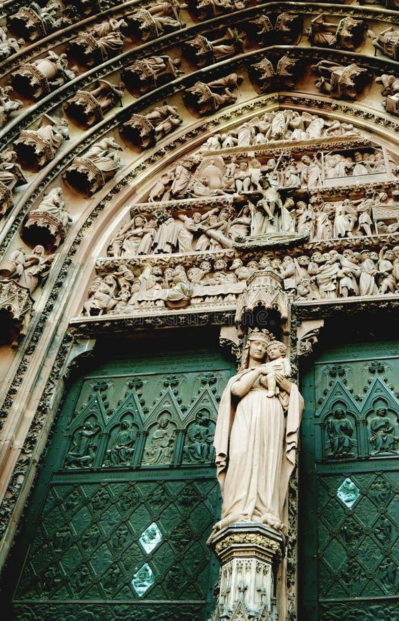 Cathedrale Notre Dame de Strasbourg i Alsace, Frankrike royaltyfri fotografi