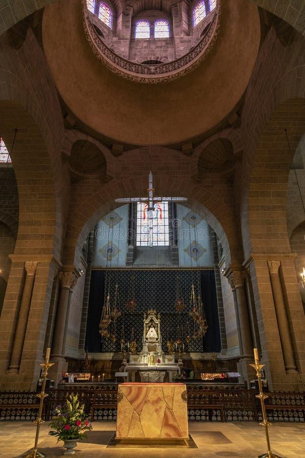 Cathedrale Notre-Dame - Le Puy-en-Velay - Frankrike arkivbild