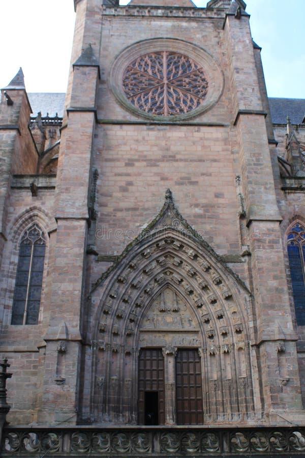 Cathedrale Notre-Dame, Rodez (Frankreich) stockfotos