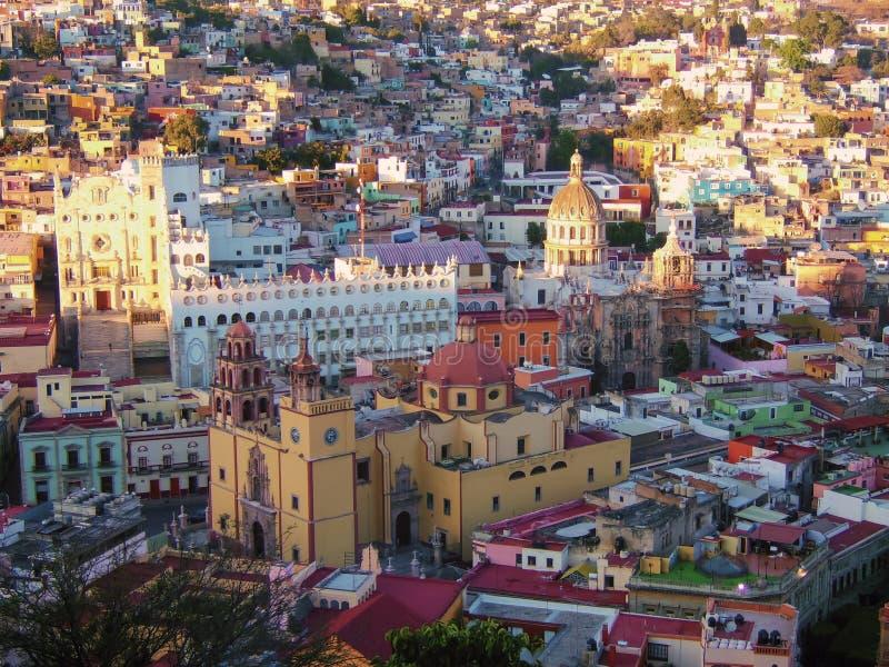 Catherdral histórico en Guanajuato, México imagenes de archivo