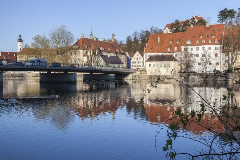Catherine Bridge och floden Lech i Landsberg royaltyfri bild