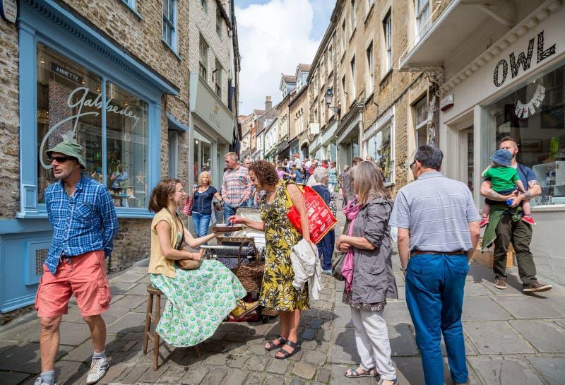 Catherine Hill, Frome, Somerset - mercado de domingo foto de archivo