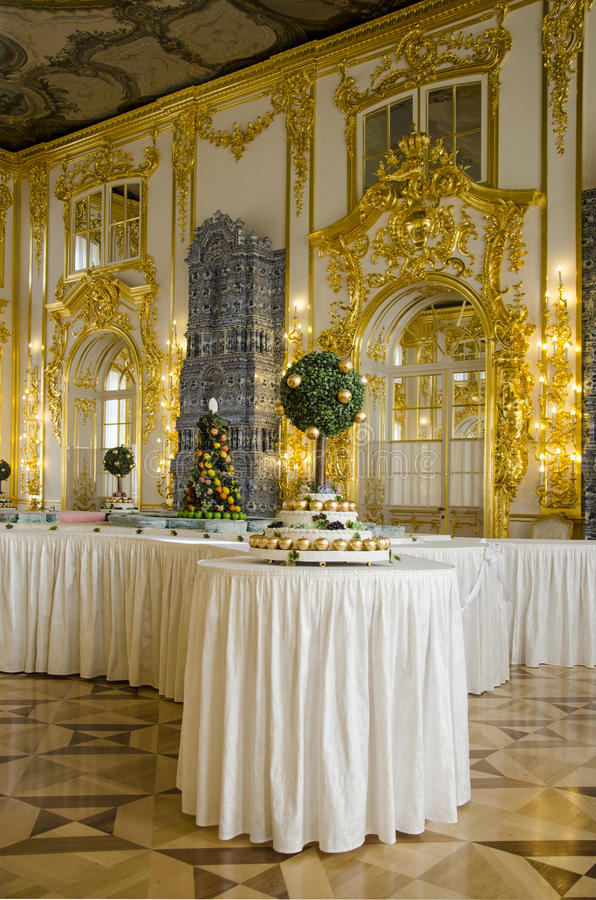 The Catherine Palace - Cavaliers Dining Hall - Courtiers-in-Attendance Dining Room Stock Photo