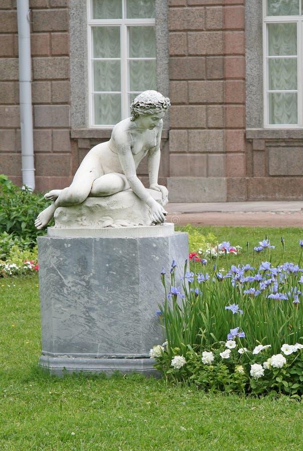 Catherine Park Sculpture ST PETERSBURGO, TSARSKOYE SELO, RÚSSIA imagem de stock